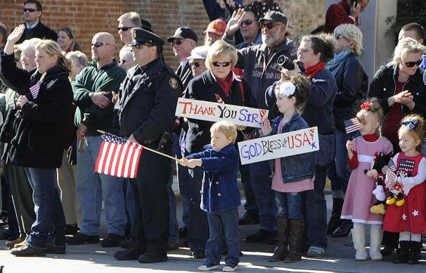 veterans-day-parade-1063x68-606x388