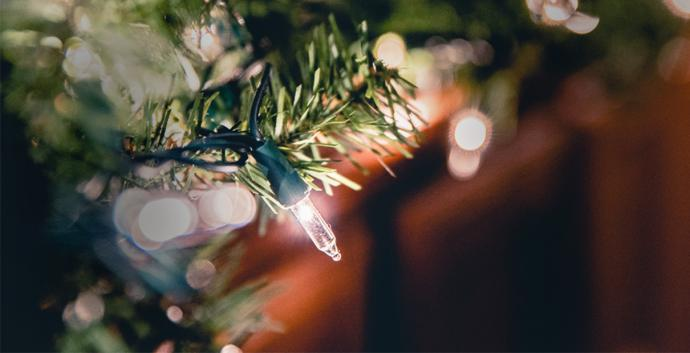christmas-garland-light-690x353
