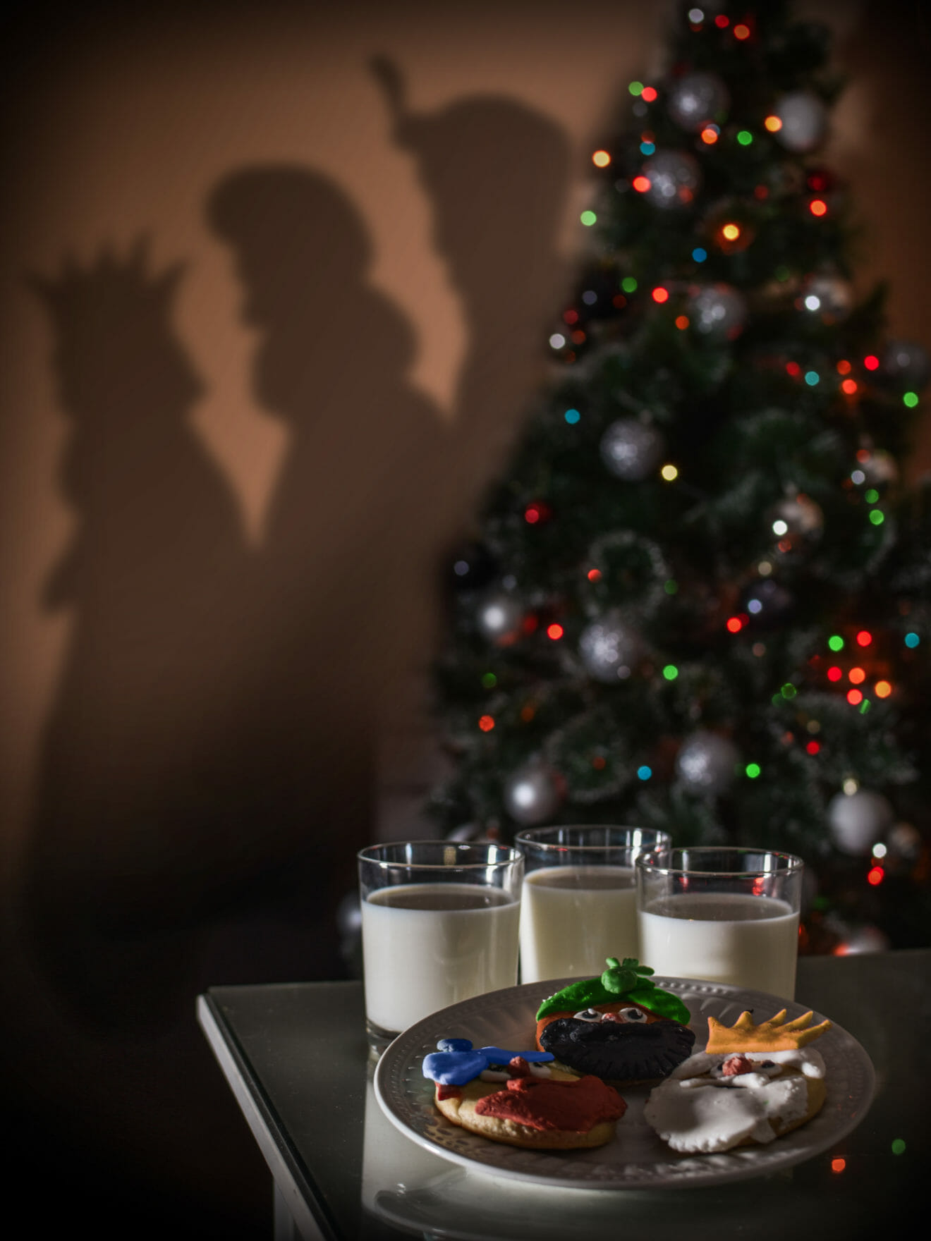 COOKIES AND MILK FOR THE TREE WISE MEN OF ORIENT, Kings Melchior, Gaspar and Balthazar, bringing gifts to kids, AT EPIPHANY